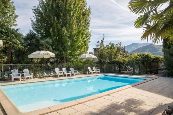hotel à lourdes avec piscine