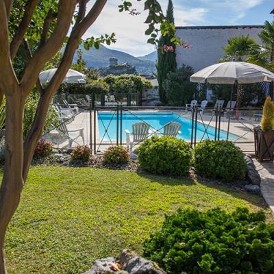 Hotel jardin et piscine Lourdes
