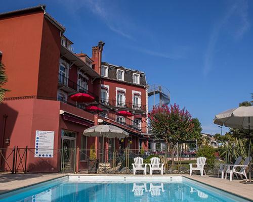 Hotel piscine à Lourdes